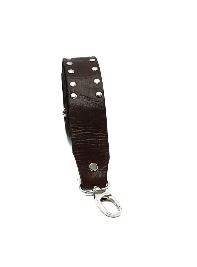 Bagstrap brown studs front
