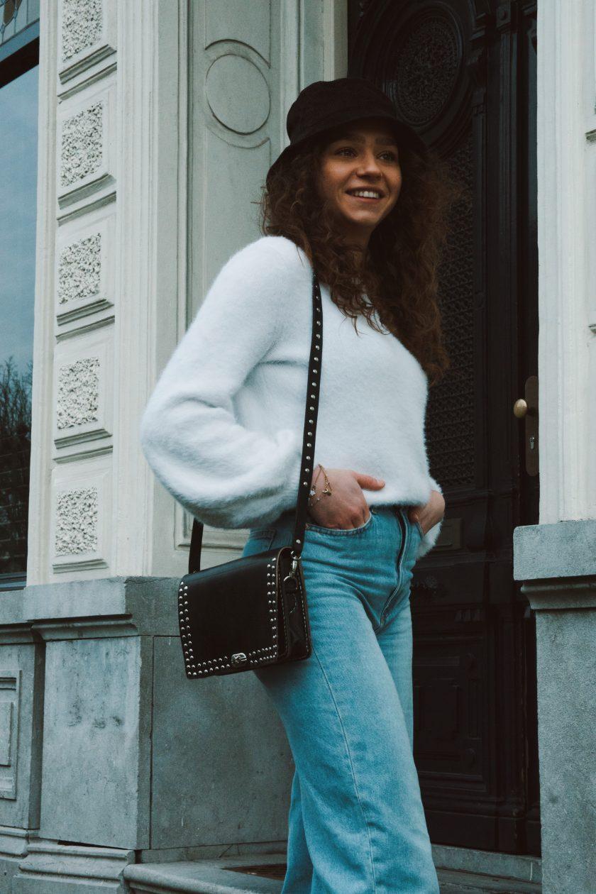 Bella bag square black M + bagstrap single studs black