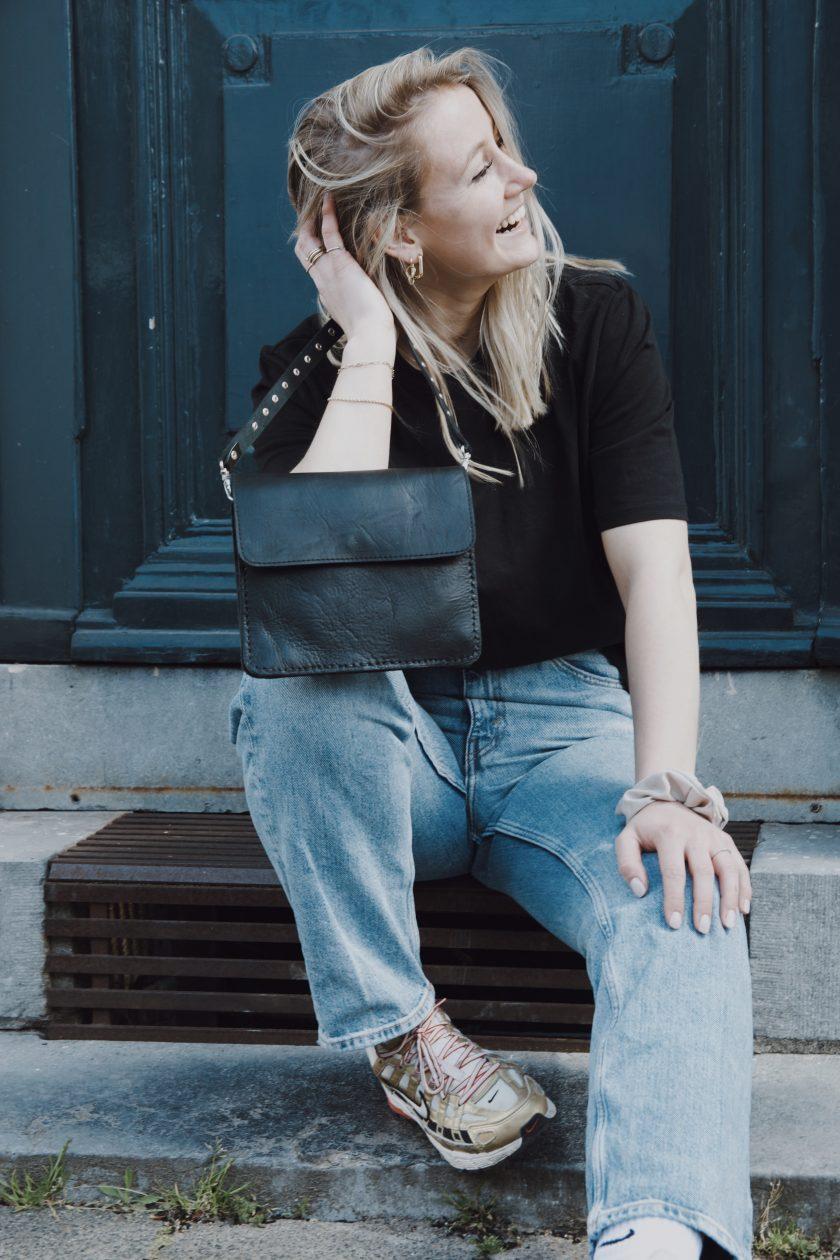 City bag black & bagstrap single studs short black